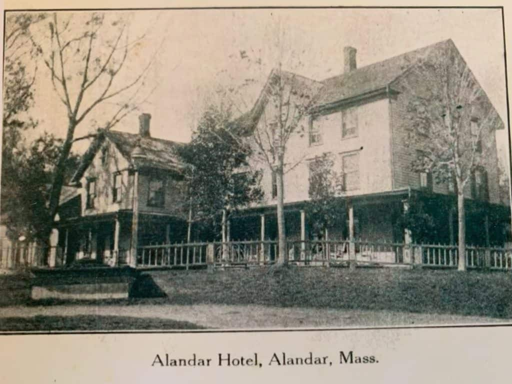 Alandar Hotel