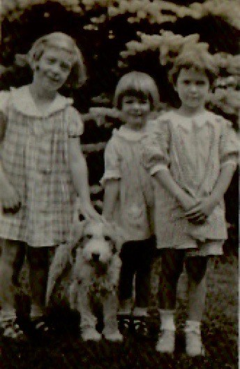 Peggy Hosford, Sue Goyne and Dog and Jean Austin Spence 1934