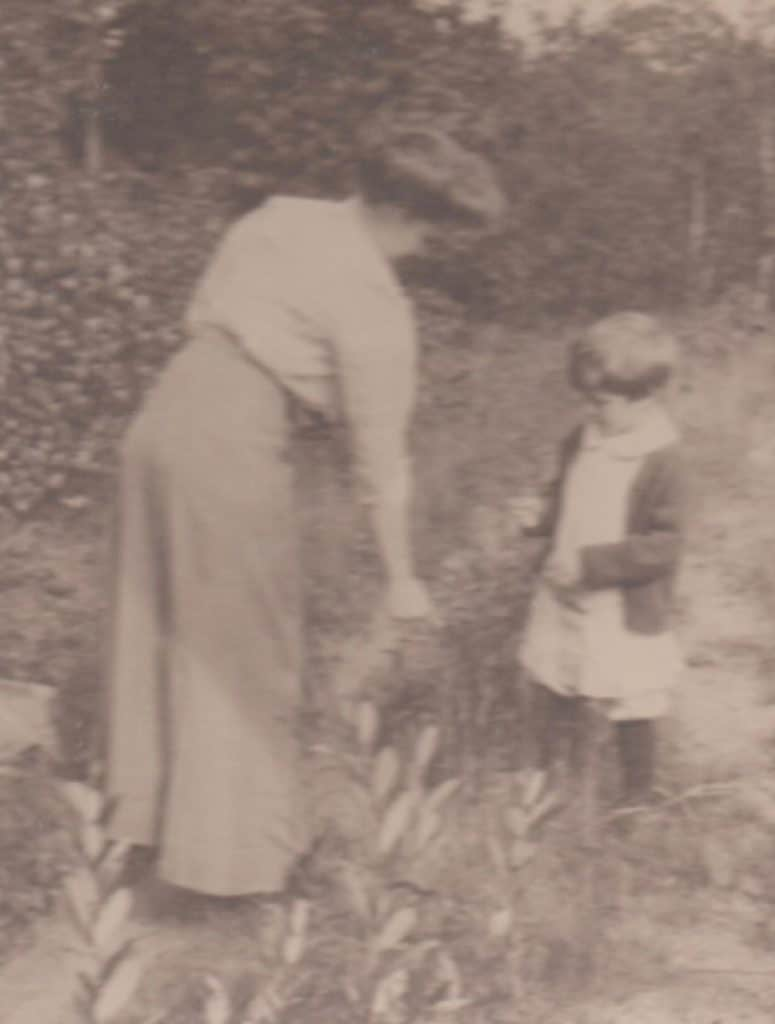 Edith Bunter Austin with son, Robert Winthrop Austin