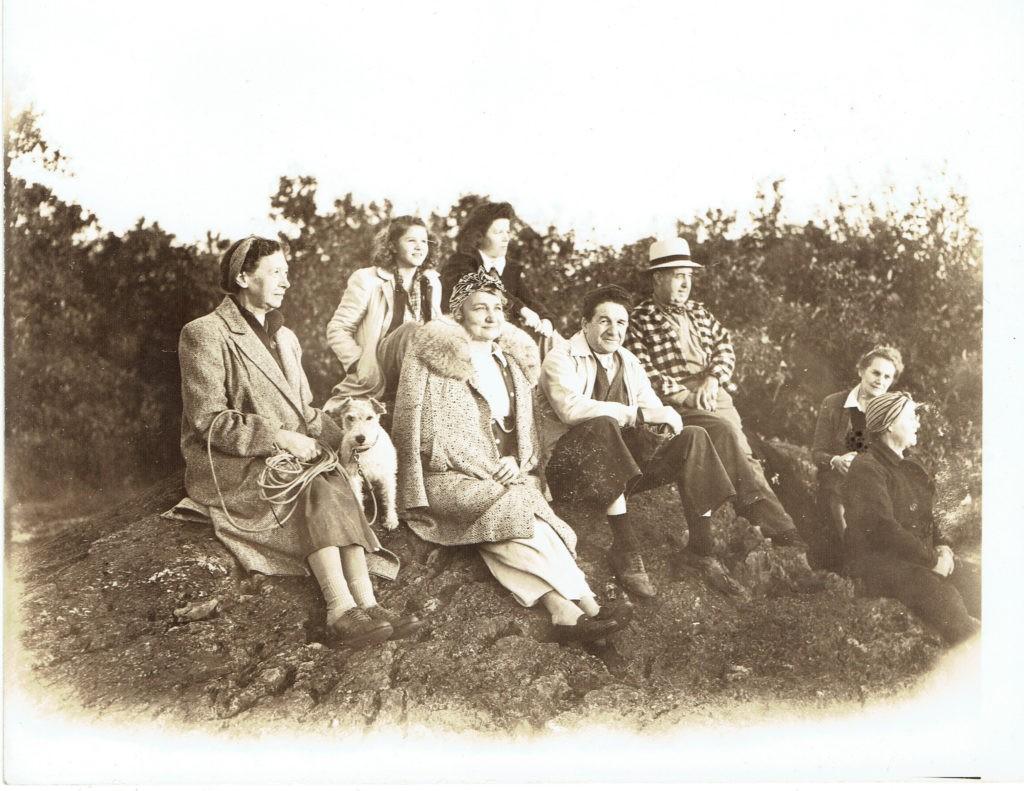 Goyne/Walter Family at Sunset Rock